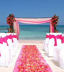 Weddings abroad on the beach